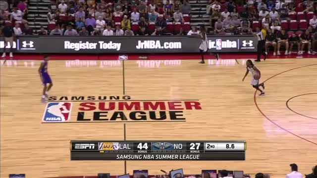 Watch and share Brandon Ingram Block GIFs by sbl8607 on Gfycat