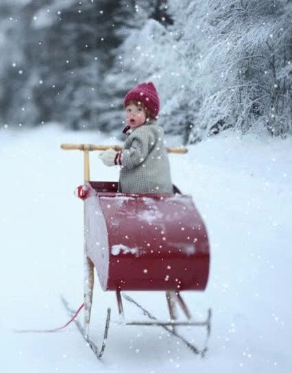 Watch and share Enfant, Traineau, Bebe, Neige, Hiver GIFs on Gfycat