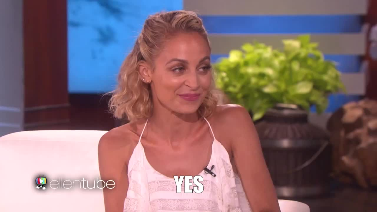 gif brewery, nicole richie, nicole-richie-on-dad-lionel-s-texting-skills, yes, YES GIFs