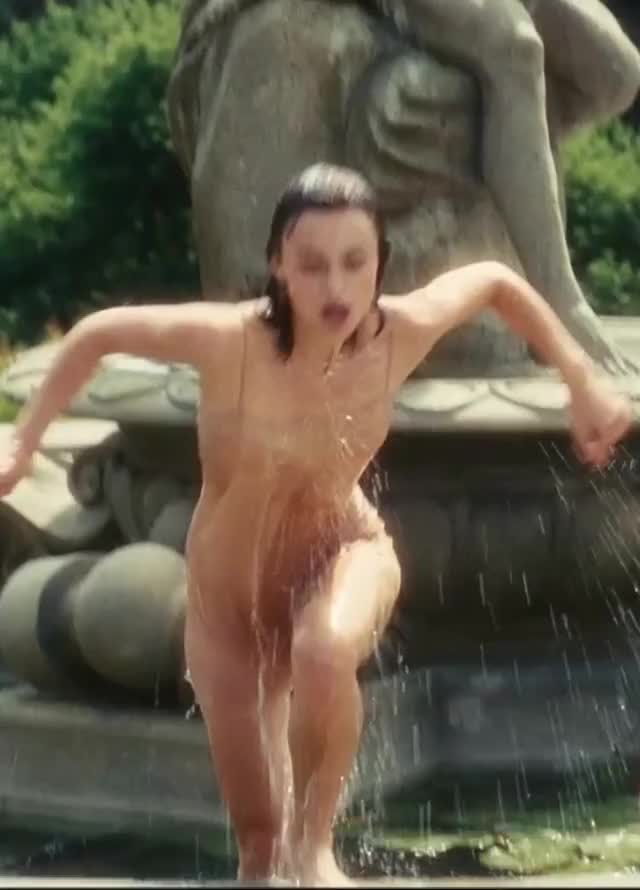 Watch and share Celebs GIFs by me4300 on Gfycat