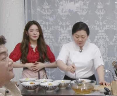 Watch and share Fromis-20190504-192010-000 GIFs on Gfycat
