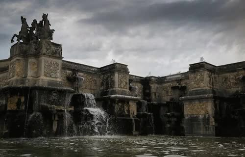 Watch and share Vaux Le Vicomte GIFs and Fountain GIFs on Gfycat