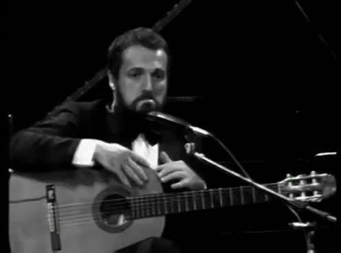 Watch and share Les Luthiers, Recitado Gauchesco, Viejos Fracasos GIFs on Gfycat