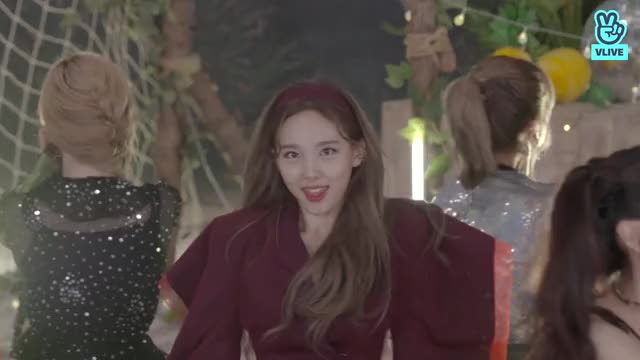 Watch and share Nayeon GIFs and Twice GIFs by dub on Gfycat