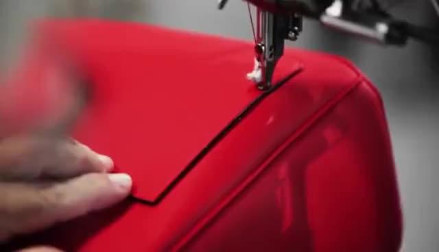 66b4b0db468a Watch Making of Dior Mini
