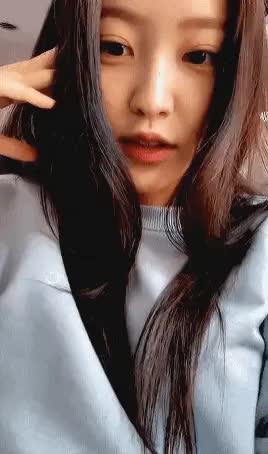 Watch and share 레드벨벳 예리 GIFs on Gfycat