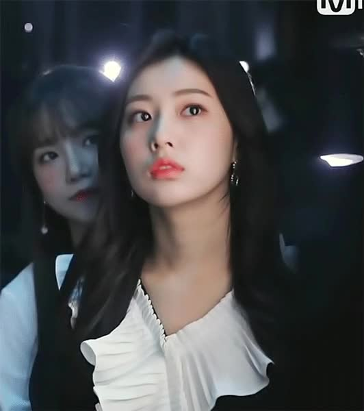 Watch and share 강혜원(へウォン) -10 GIFs by eanowoo on Gfycat
