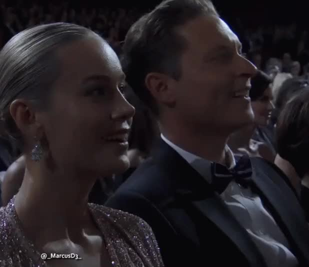 Watch and share Academy Awards GIFs by MarcusD on Gfycat