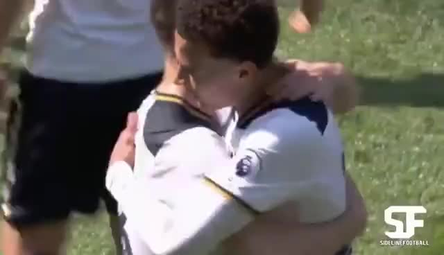 Dele Alli & Heung Min Son Awesome Handshake Celebration After Goal