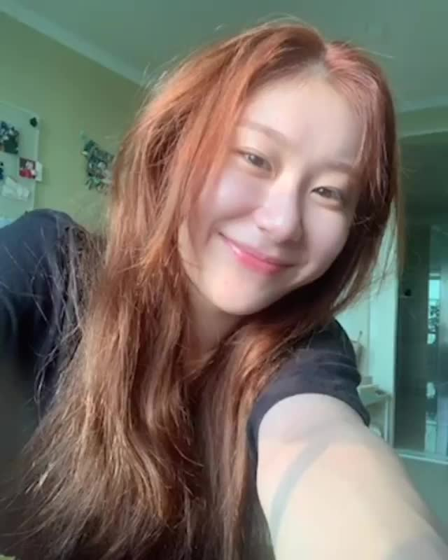 Watch and share Chaeryeong GIFs and Itzy GIFs by Jer on Gfycat