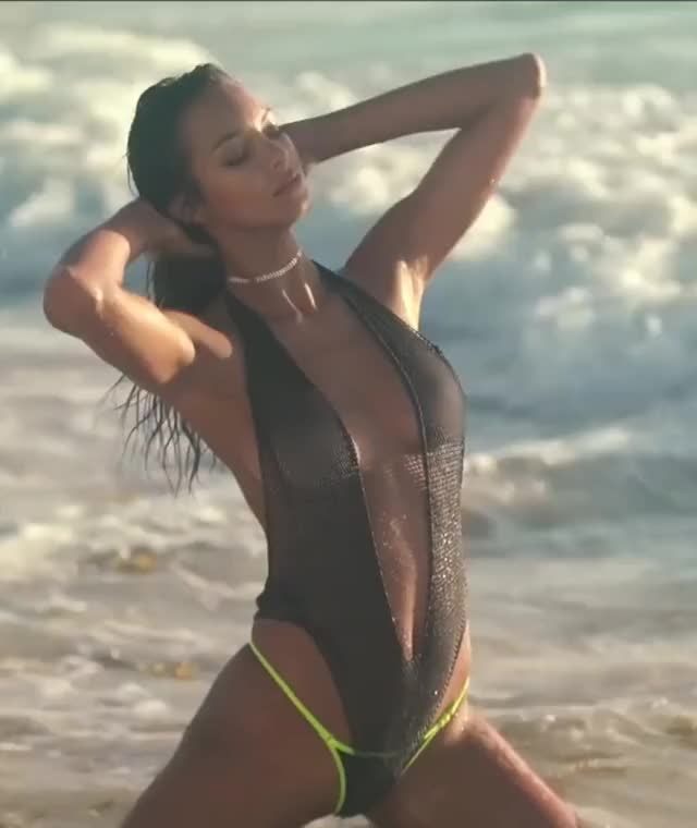 Watch and share Lais Ribeiro GIFs by Geez Dude on Gfycat