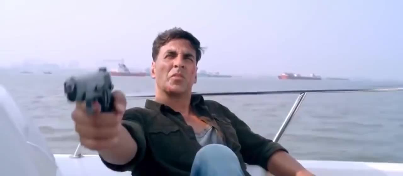 akshay kumar, celebs, sonakshi, Holiday 2014 Hindi Movie Star Akshay Kumar & Sonakshi Sinha GIFs
