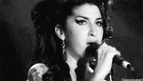 Watch and share Amy Winehouse GIFs and Amor De Fã GIFs on Gfycat