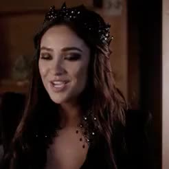 Watch and share Pretty Little Liars GIFs and Emily Fields GIFs on Gfycat