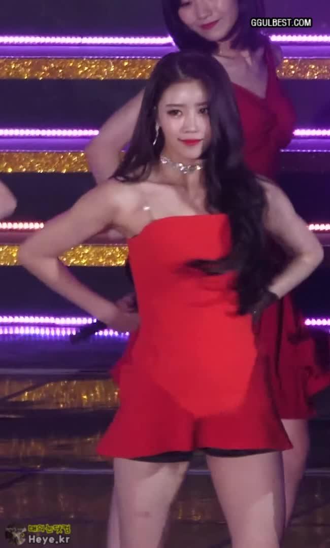 lovelyz, mijoo, 러블리즈, 미주, 러블리즈 미주 (Lovelyz Mijoo) 섹시 레드 오프솔더 GIFs
