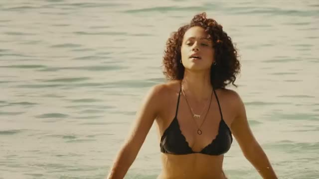 nathalie Emmanuel's body is so pumping good. That a-hole is just amazing!