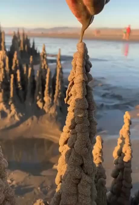 This castle of wet sand gif