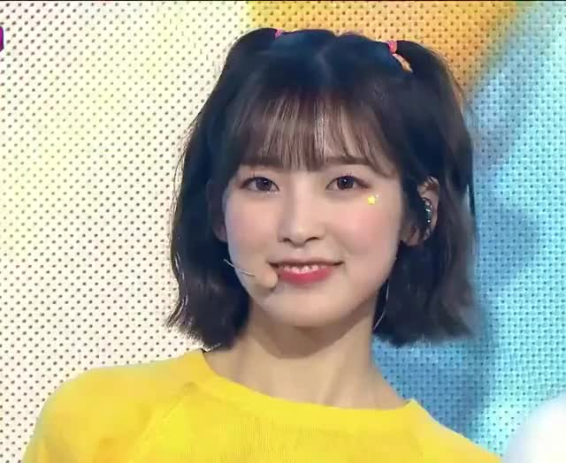 Watch and share Oh My Girl GIFs and Arin GIFs by help on Gfycat