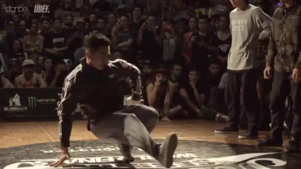 Watch Zeshen loses his mind GIF by @pantsarenapkins on Gfycat. Discover more bboy, hiphopgifs GIFs on Gfycat