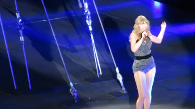 Taylor Swift - (07.07.18) Reputation Show In Columbus, Ohio | Performing