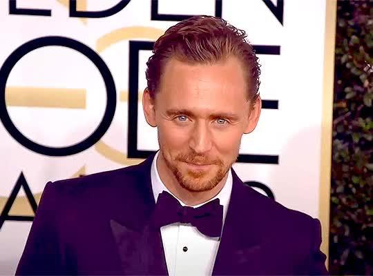 Watch and share Gif Razones Por Las Que Amamos A Tom Hiddleston TGif-set-1 GIFs by @maryxglz on Gfycat