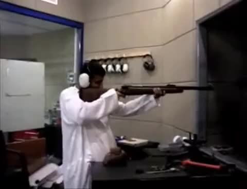Watch Muslim FAIL GIF on Gfycat. Discover more arabe, disparo GIFs on Gfycat