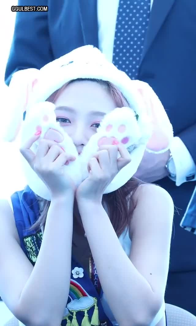 Watch and share Red Velvet GIFs and Kpop GIFs by 짤티비 JJTV.KR on Gfycat