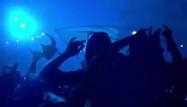 Dimitri Vegas stage jump