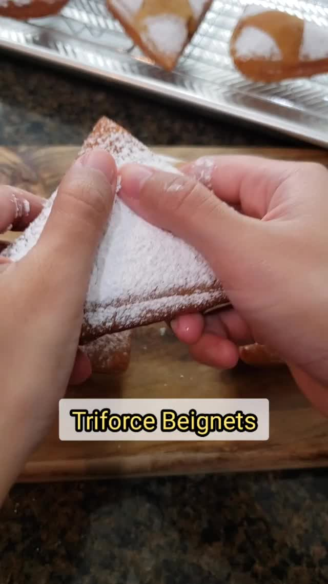 Watch and share Fluffy Beignets GIFs and Apple Beignets GIFs by IssaGrill on Gfycat