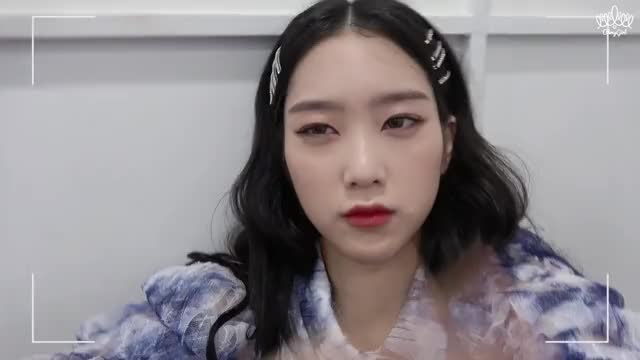 Watch and share Oh My Girl GIFs and Jiho GIFs by stoes11 on Gfycat