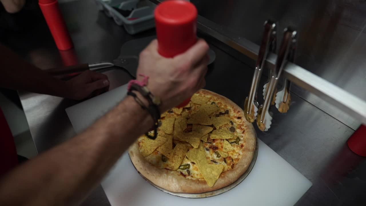 alex ovechkin, pizza, Alex Ovechkin creating nacho pizza GIFs