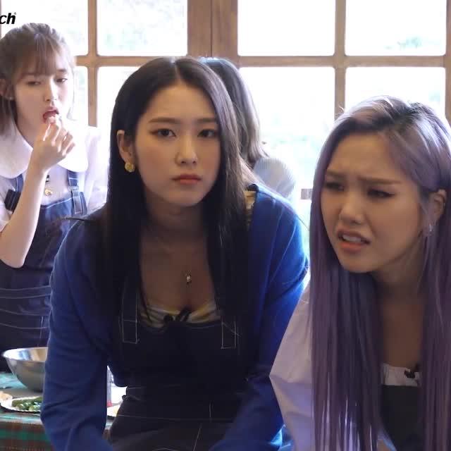 Watch and share 세상에 이런 김밥은 없었다.오마이걸 지호 OH MY GIRL3 GIFs by koreaactor on Gfycat