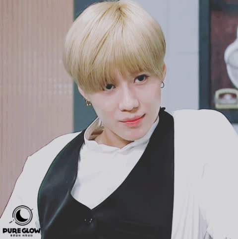 2. [+116][-14] Lee Taemin.. His face scams us all..ㅋㅋㅋ How could a person look that good, Taem.. GIFs