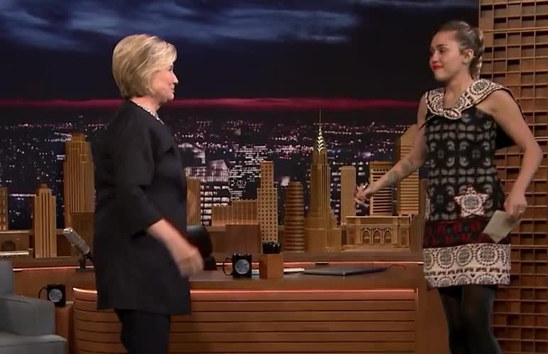 hug, thanks, tonight, Miley Cyrus Read Thank You Note to Hillary Clinton GIFs