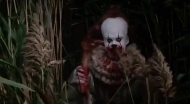 Watch and share It 2017, Pennywise Waving With Cut Off Arm GIFs on Gfycat