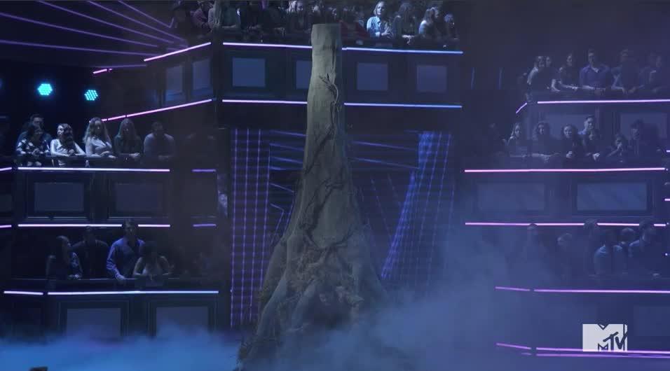Adam Devine, MTV Awards, MTV Awards 2017, MTVAwards, MTVAwards2017, gross, yuck, The Tree of life. Kind of Adam Devine MTV Awards 2017 GIFs