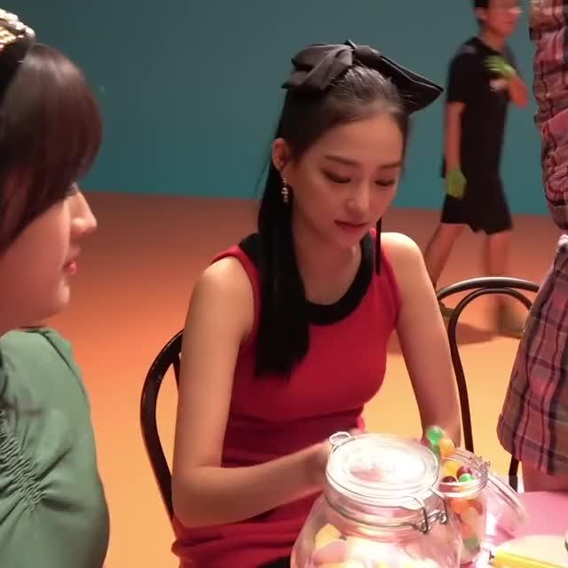 Watch and share Girl Group GIFs and Jang Yeeun GIFs by Evandar on Gfycat
