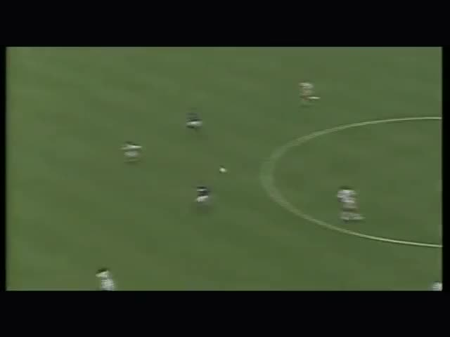 Watch and share Baggio GIFs and Usa'94 GIFs by Footballeur du Dimanche on Gfycat