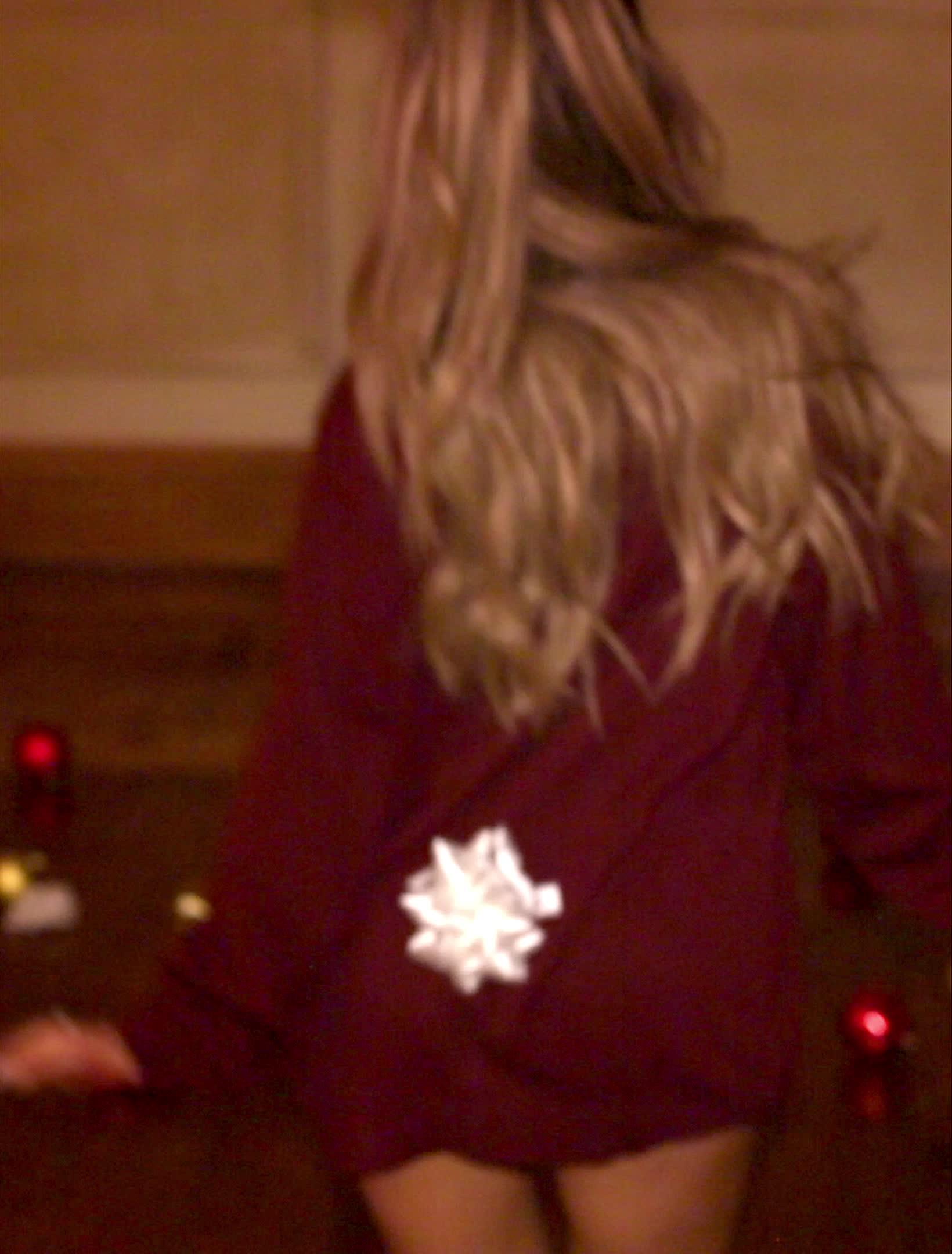 ariana grande, butt, music video, santa tell me, [UHD] Christmas Gift Butt - Santa Tell Me (MV) - 2014 GIFs