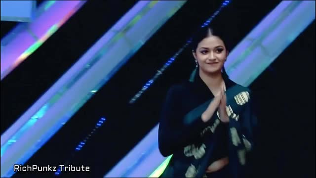 Watch and share Keerthy Suresh Navel GIFs by Harish on Gfycat