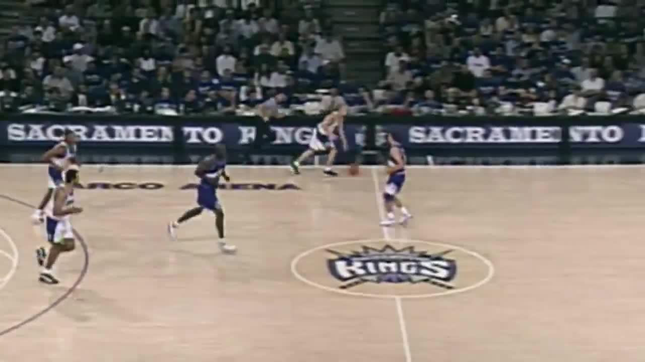 Sports, kings.com, nba, sacramento kings, J-Will Splits Defenders GIFs