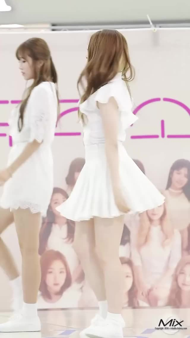 Watch and share 우주소녀 GIFs by 러블리즈 on Gfycat