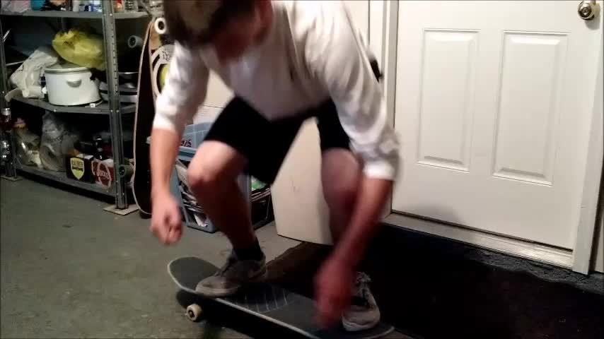 newskaters, It took me a year to learn these. Although it was DISGUSTING, here is my first nollie heel! (reddit) GIFs