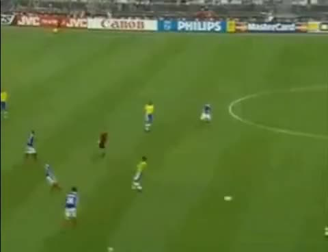 Watch and share Merguez Foot Cdm GIFs on Gfycat