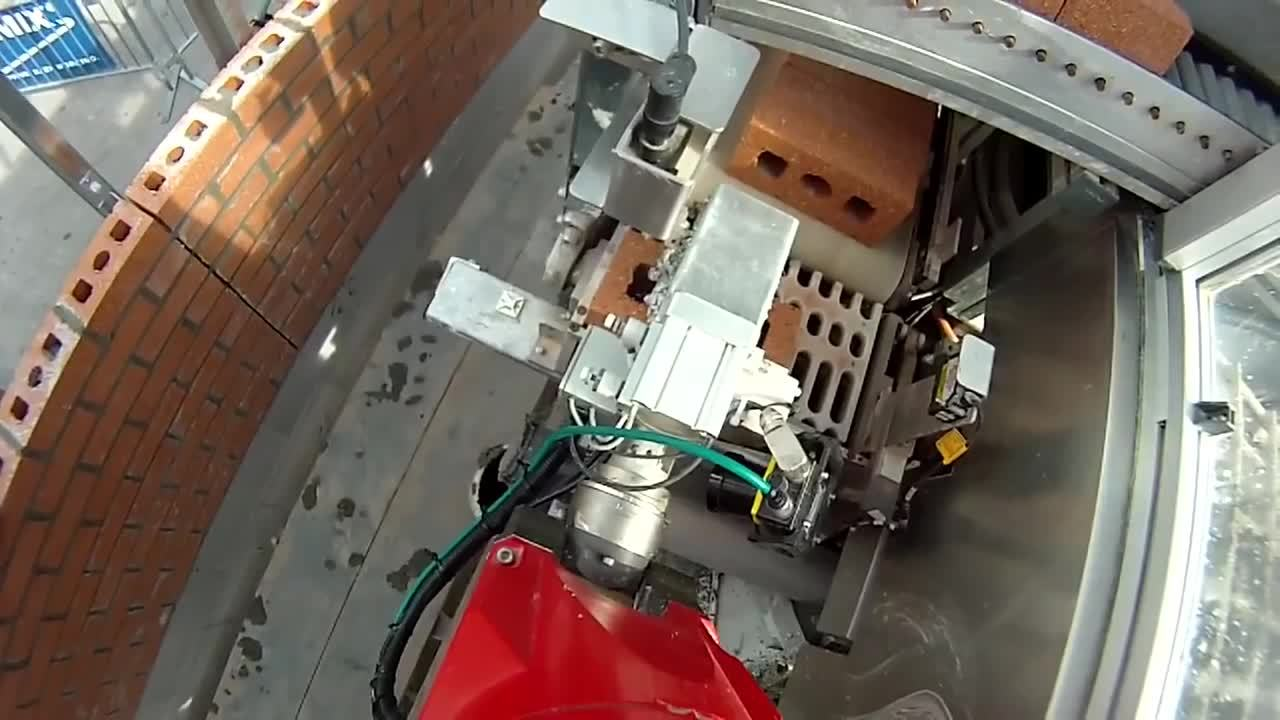 gifsthatendtoosoon, mechanical_gifs, specializedtools, Brick laying robot. (reddit) GIFs