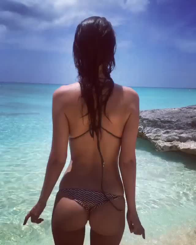 Watch and share Video By Emrata GIFs by facebook11 on Gfycat