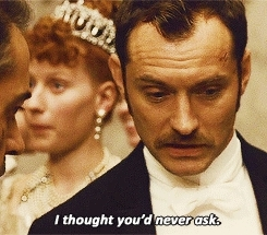 jude law, lindy GIFs