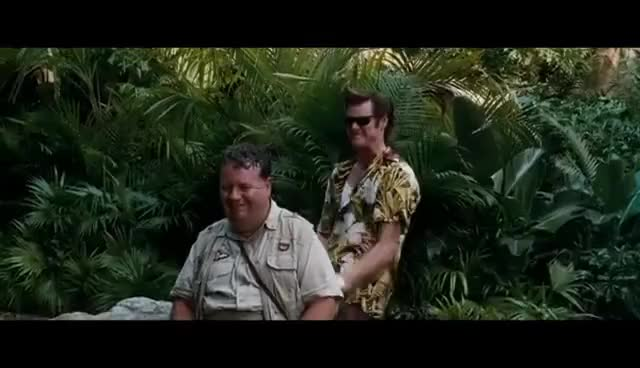 Ace Ventura - When Nature Calls (Funny Bat Scene)