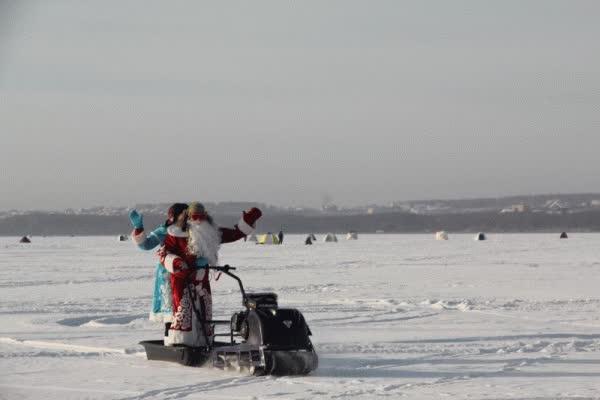 Watch and share Дед Мороз Машет Рукой GIFs on Gfycat