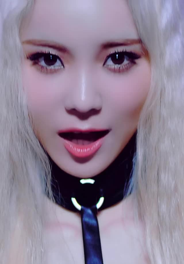 Watch and share Jinsoul GIFs and Celebs GIFs by theangrycamel2019 on Gfycat